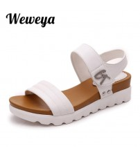 Women Aged Leather Flat Sandals