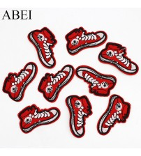 10pcs/lot Embroidered Cartoon Shoes Patches Iron On Appliqued DIY Stickers Garment Clothes Bags Jeans Motif Badge Patch Supplier